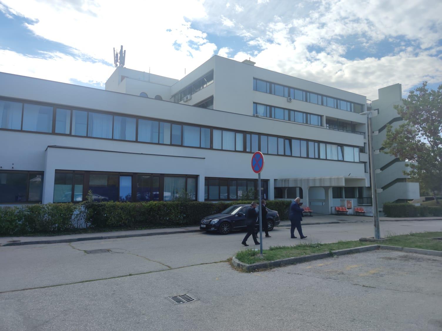 "Vizita delegației AMVVD la Opća i veteranska bolnica ""Hrvatski Ponos"" Knin"